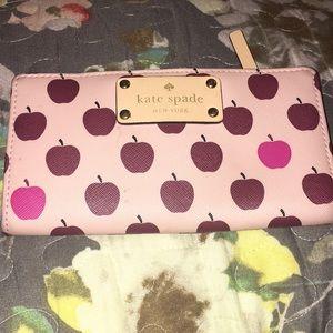 Kate spade Apple wallet see description